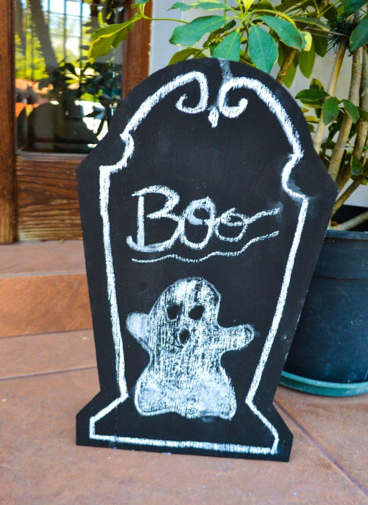 Halloween DIY Chalkboard Tombstone